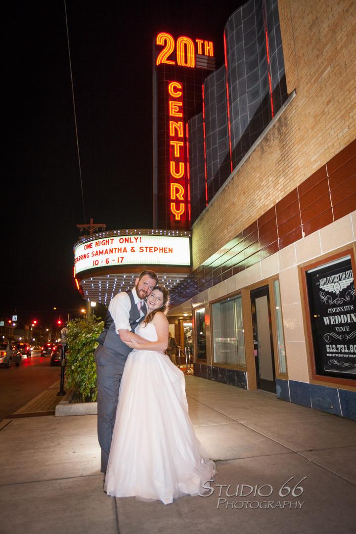 20thCenturyTheater_CincinnatiWeddingPhotographer_Studio66_40