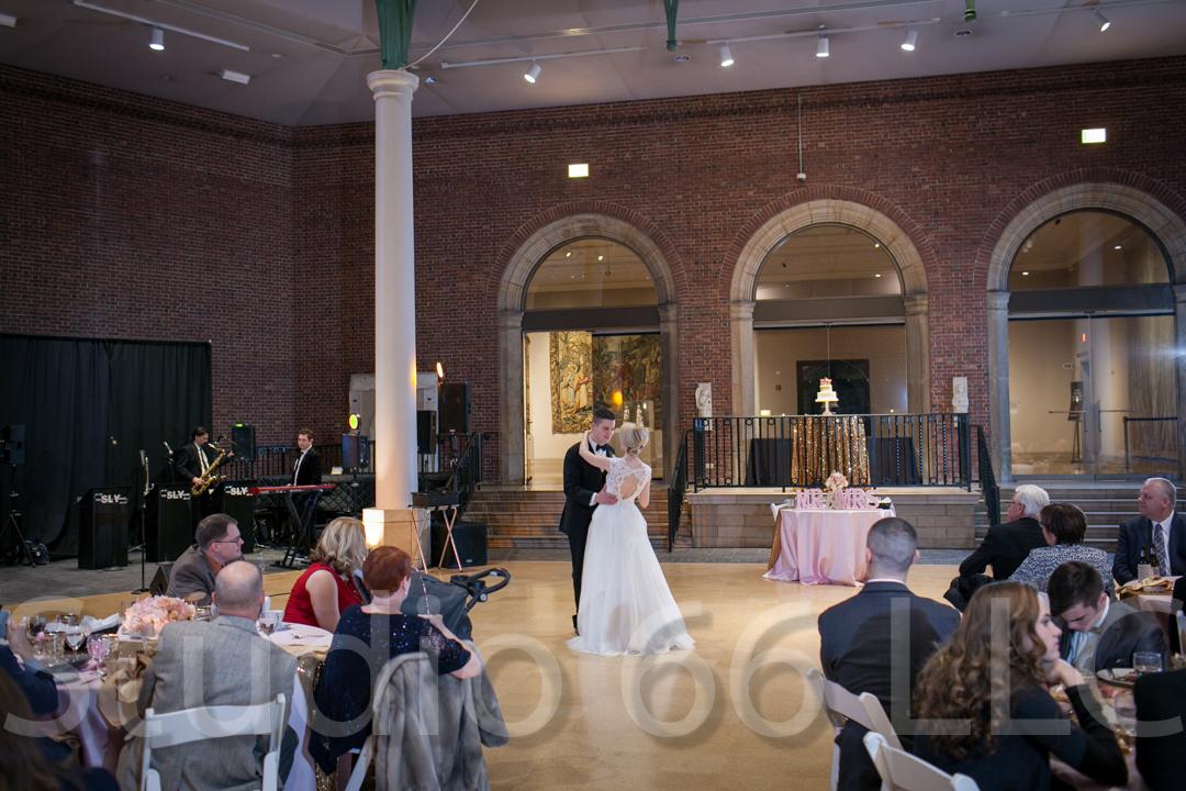 CincinnatiWeddingPhotographer_Studio66_WeddingPhotography_DaytonWeddings_37
