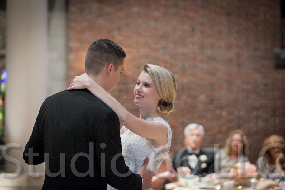 CincinnatiWeddingPhotographer_Studio66_WeddingPhotography_DaytonWeddings_38