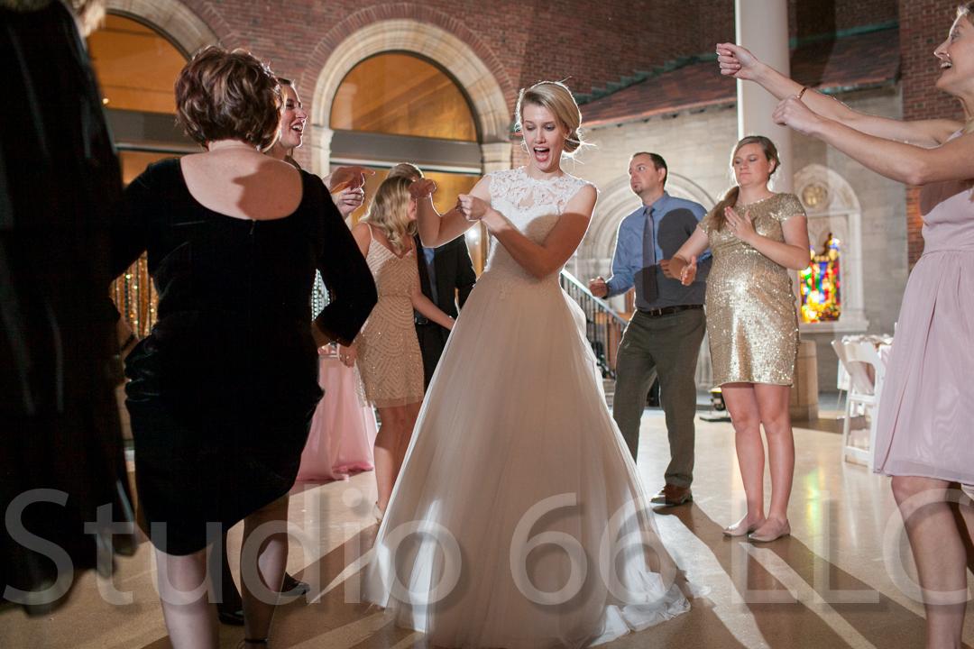 CincinnatiWeddingPhotographer_Studio66_WeddingPhotography_DaytonWeddings_39