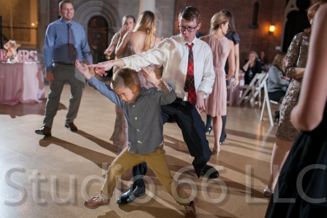 CincinnatiWeddingPhotographer_Studio66_WeddingPhotography_DaytonWeddings_41