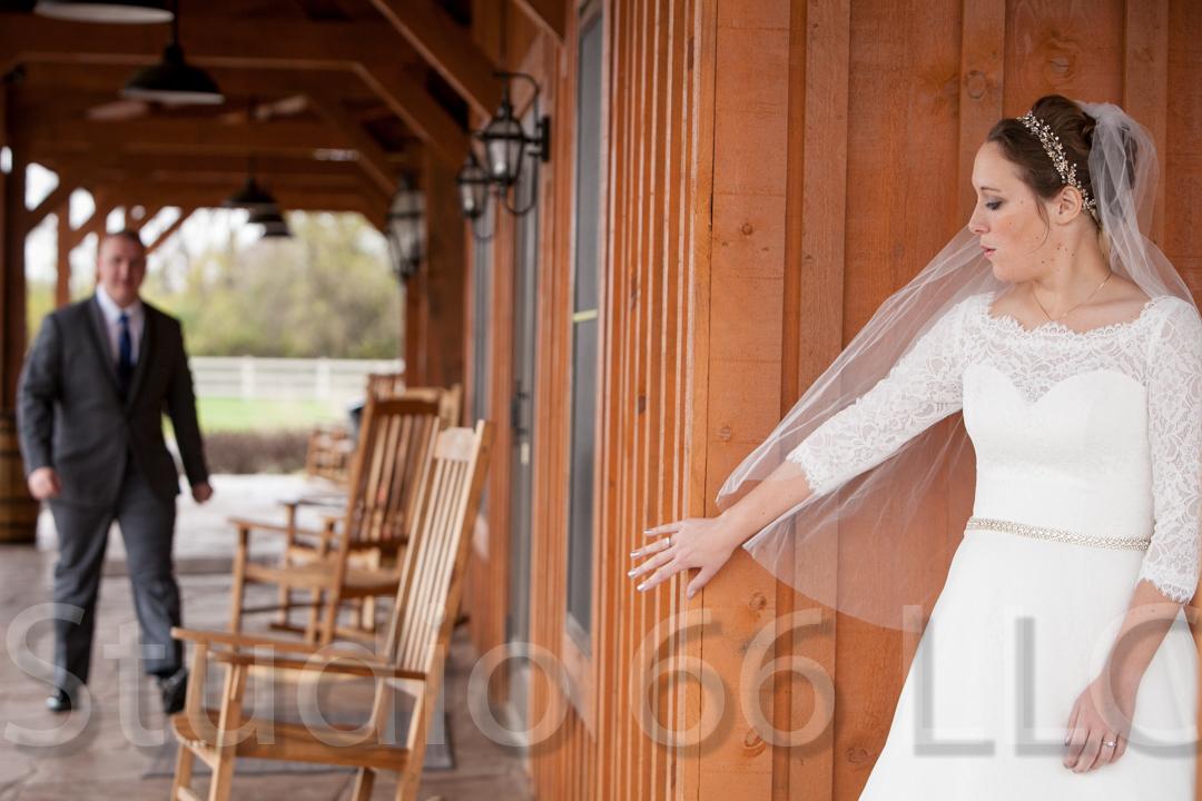 CincinnatiWeddingPhotographer_Studio66_WeddingPhotography_RollingMeadowsRanch_06