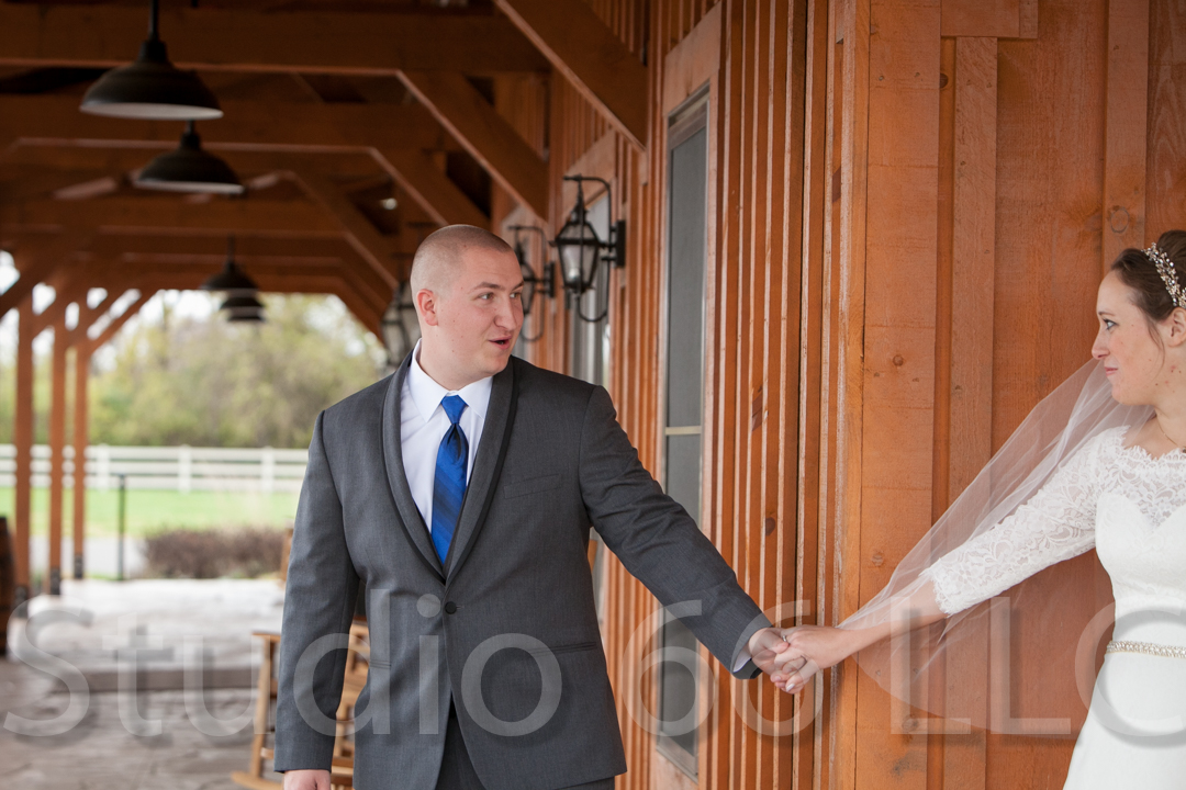 CincinnatiWeddingPhotographer_Studio66_WeddingPhotography_RollingMeadowsRanch_08
