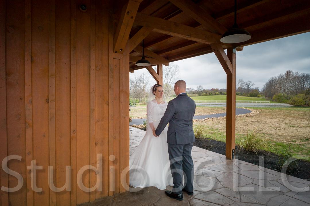 CincinnatiWeddingPhotographer_Studio66_WeddingPhotography_RollingMeadowsRanch_09
