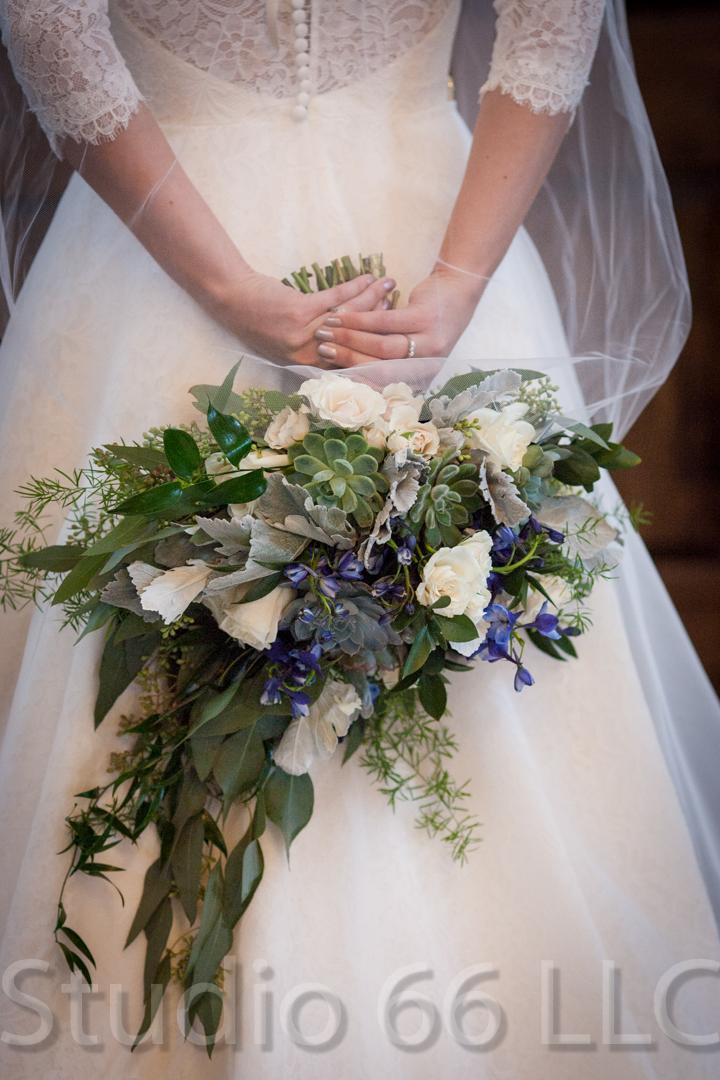 CincinnatiWeddingPhotographer_Studio66_WeddingPhotography_RollingMeadowsRanch_11
