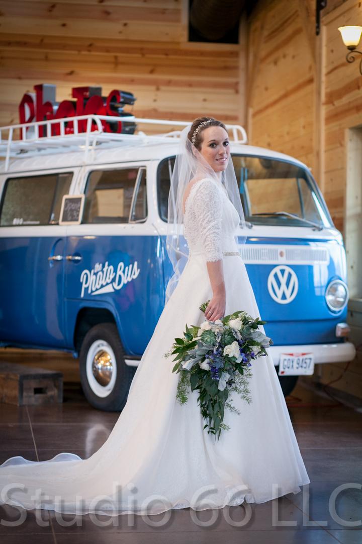 CincinnatiWeddingPhotographer_Studio66_WeddingPhotography_RollingMeadowsRanch_12