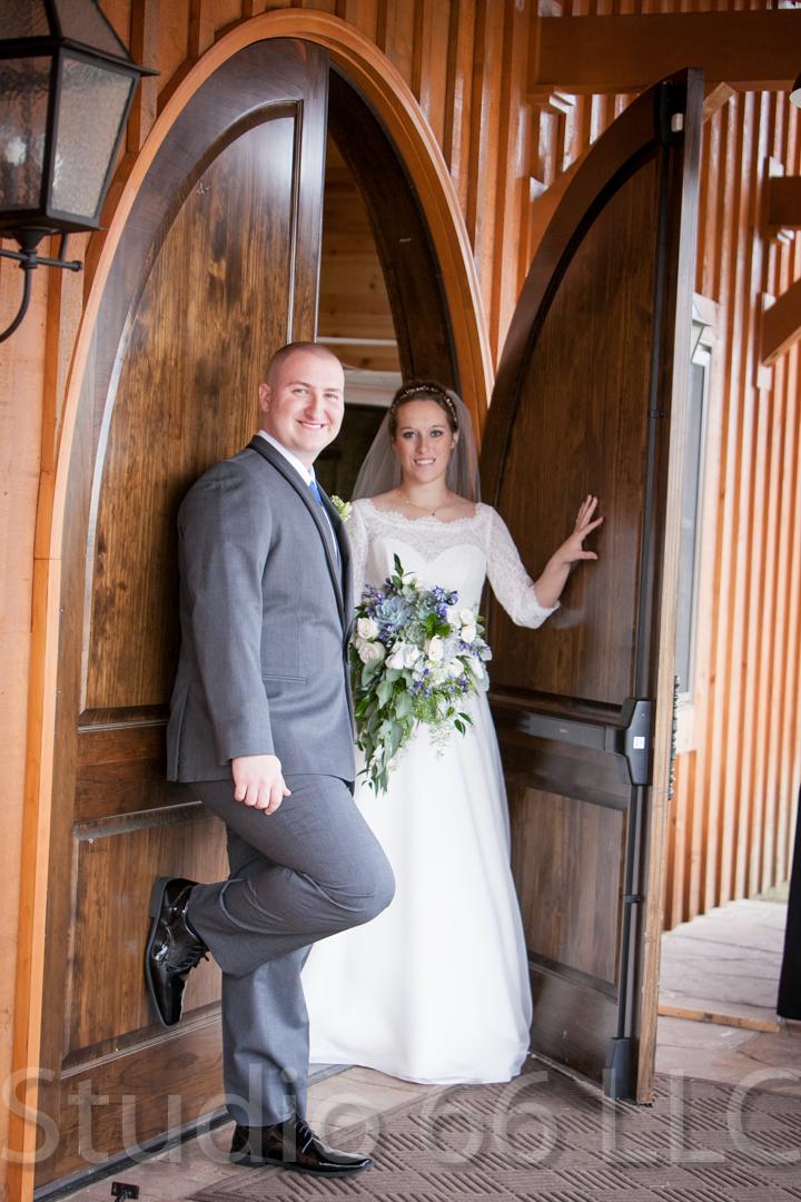 CincinnatiWeddingPhotographer_Studio66_WeddingPhotography_RollingMeadowsRanch_14