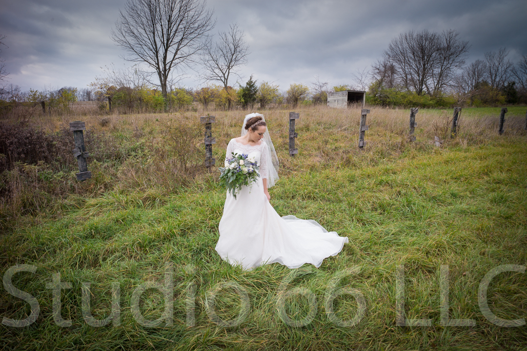 CincinnatiWeddingPhotographer_Studio66_WeddingPhotography_RollingMeadowsRanch_17
