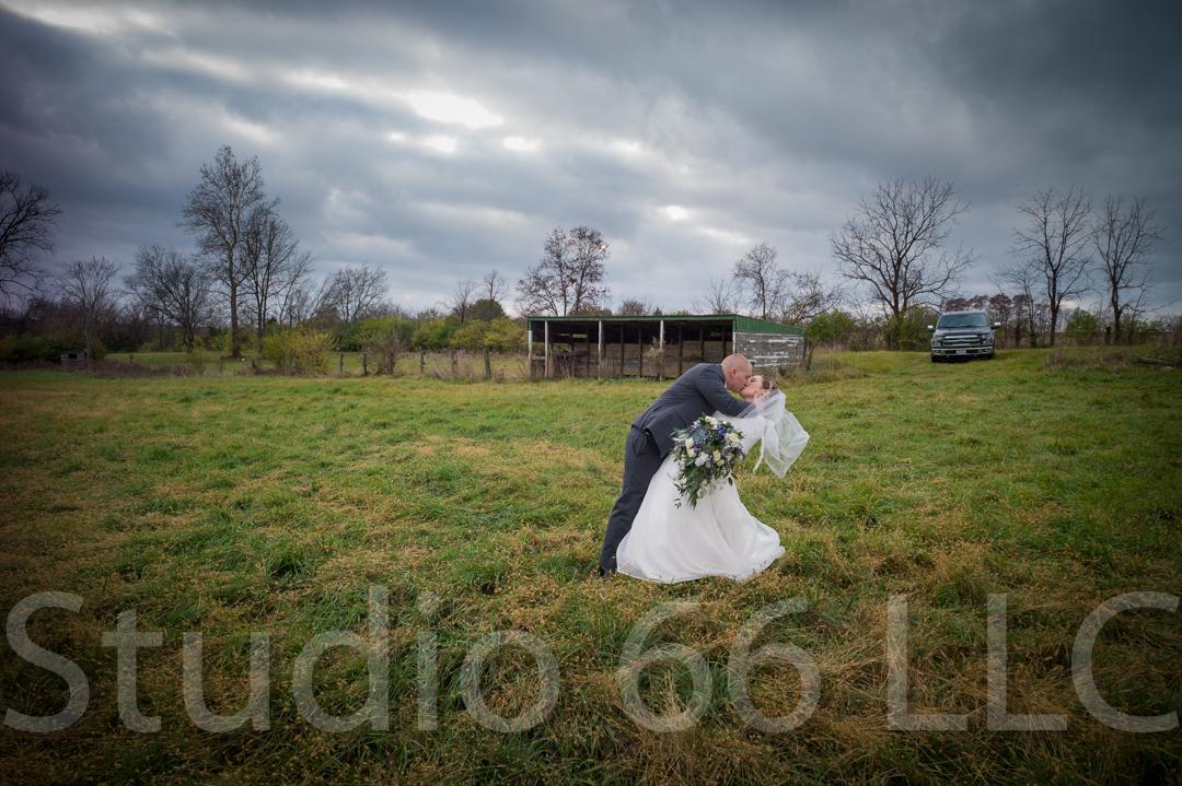 CincinnatiWeddingPhotographer_Studio66_WeddingPhotography_RollingMeadowsRanch_26