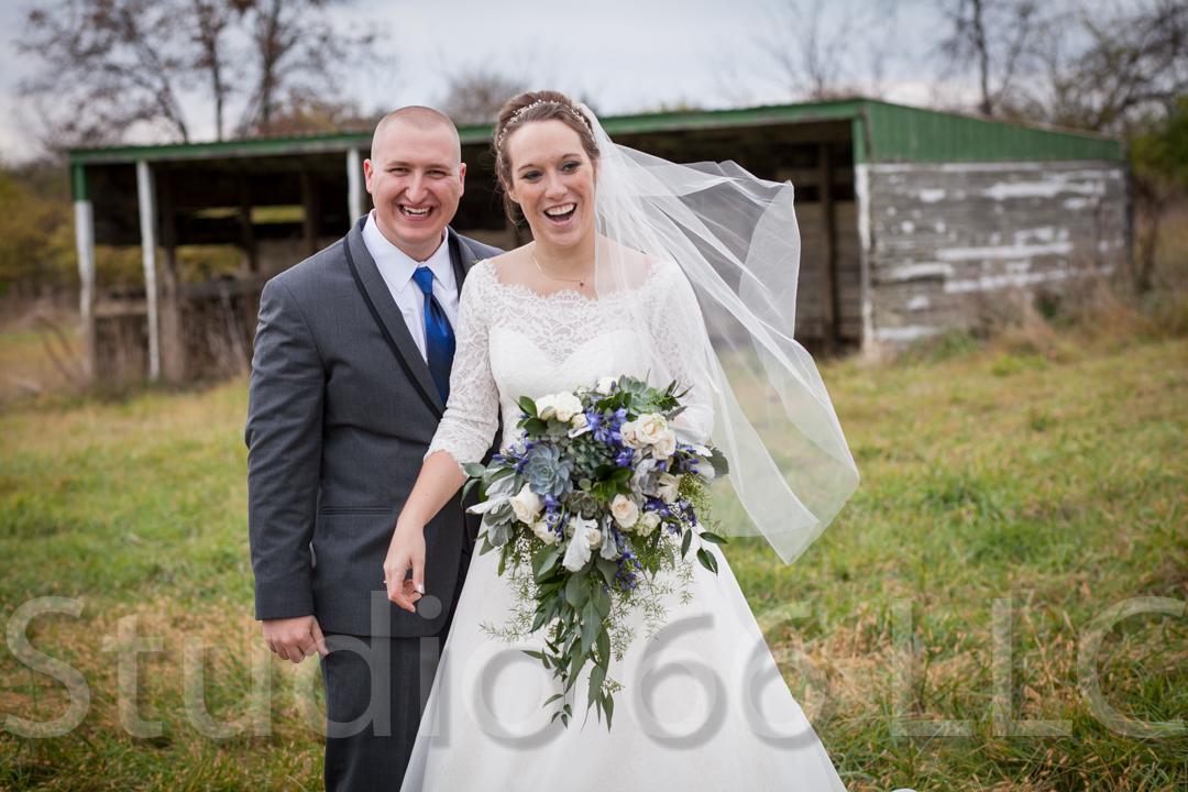 CincinnatiWeddingPhotographer_Studio66_WeddingPhotography_RollingMeadowsRanch_27
