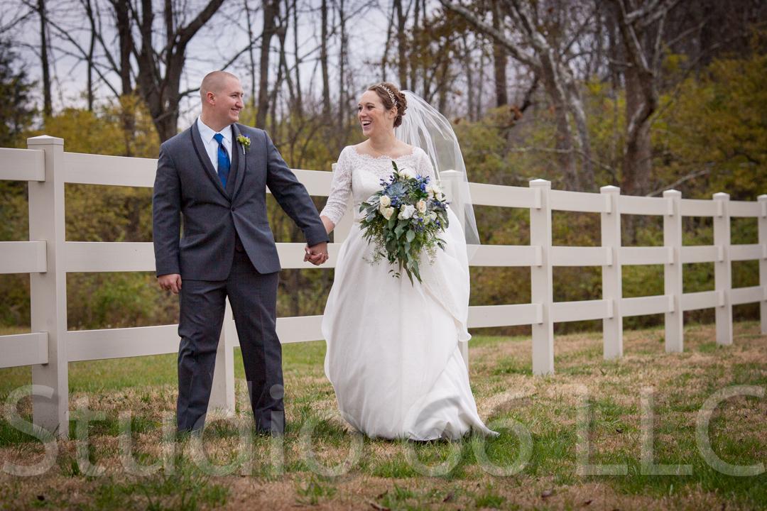 CincinnatiWeddingPhotographer_Studio66_WeddingPhotography_RollingMeadowsRanch_30