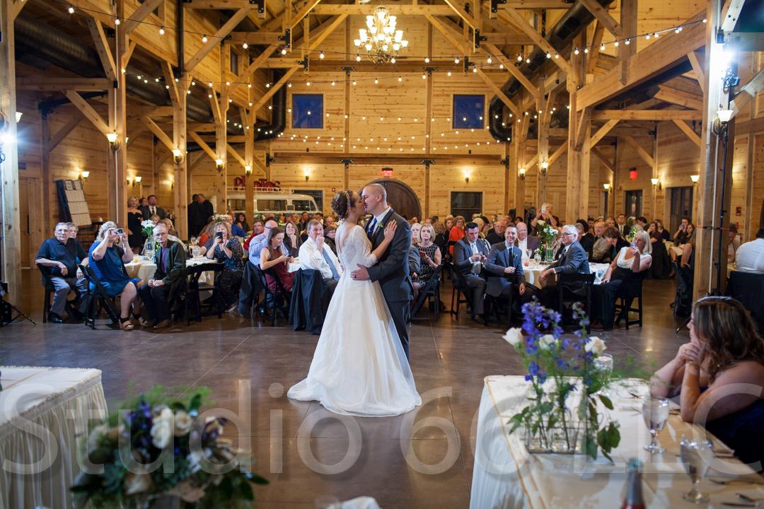 CincinnatiWeddingPhotographer_Studio66_WeddingPhotography_RollingMeadowsRanch_39