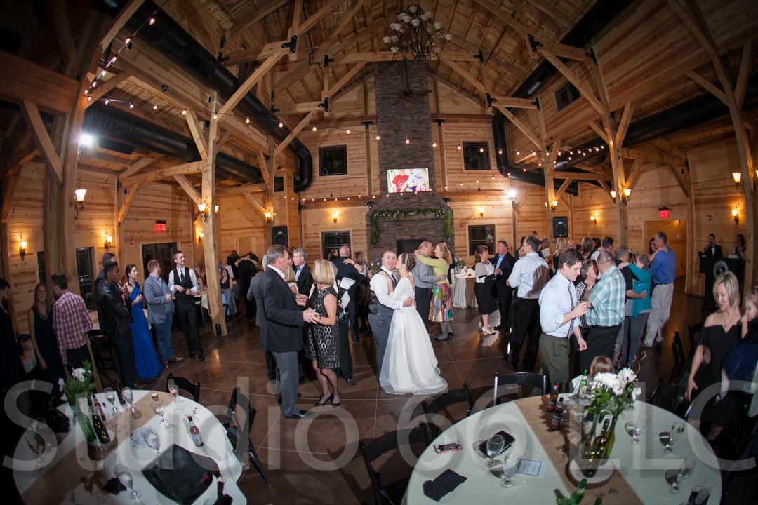 CincinnatiWeddingPhotographer_Studio66_WeddingPhotography_RollingMeadowsRanch_46