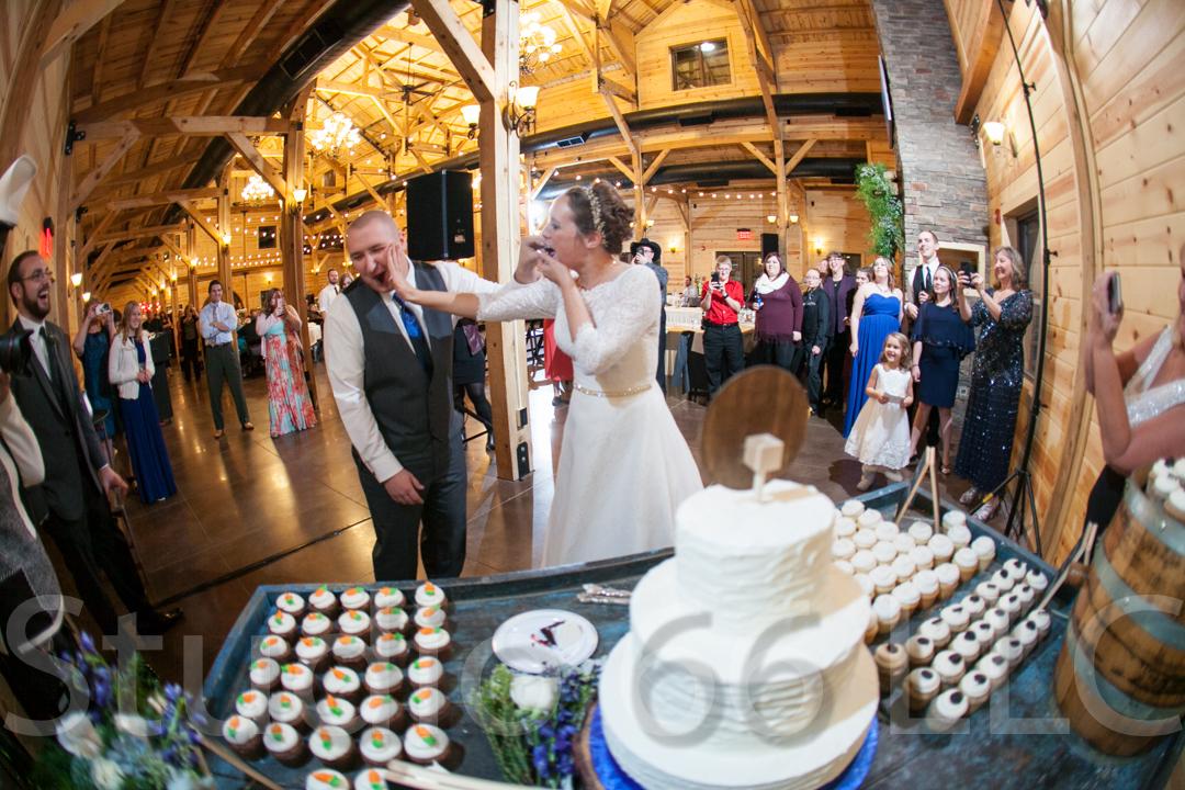 CincinnatiWeddingPhotographer_Studio66_WeddingPhotography_RollingMeadowsRanch_47