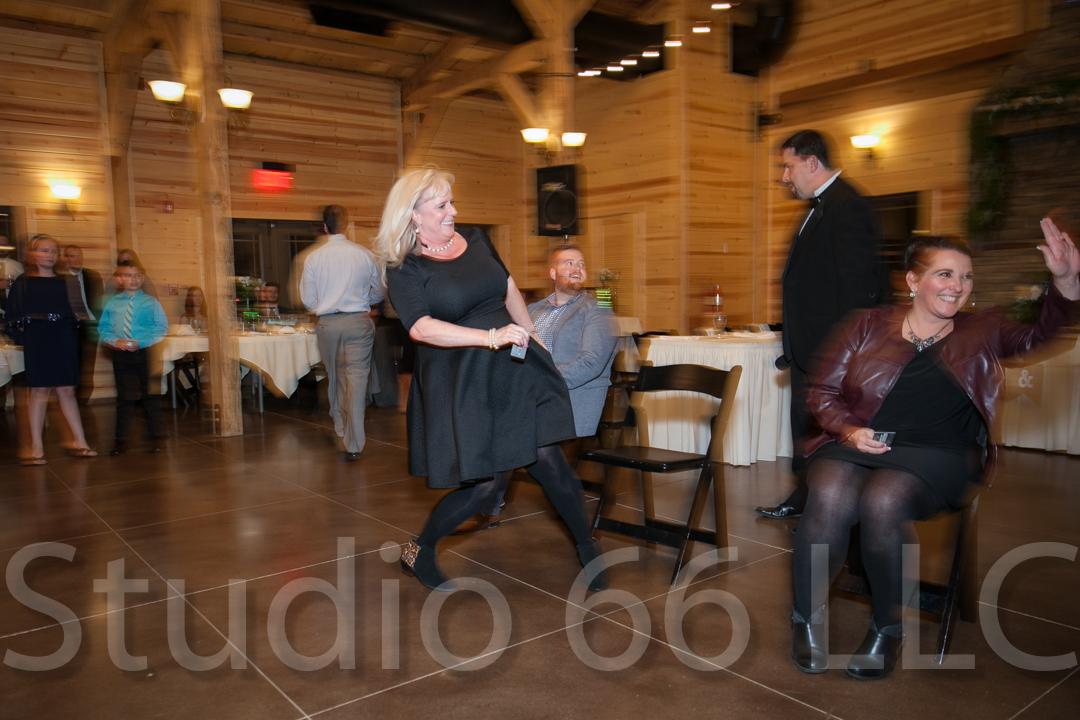 CincinnatiWeddingPhotographer_Studio66_WeddingPhotography_RollingMeadowsRanch_50