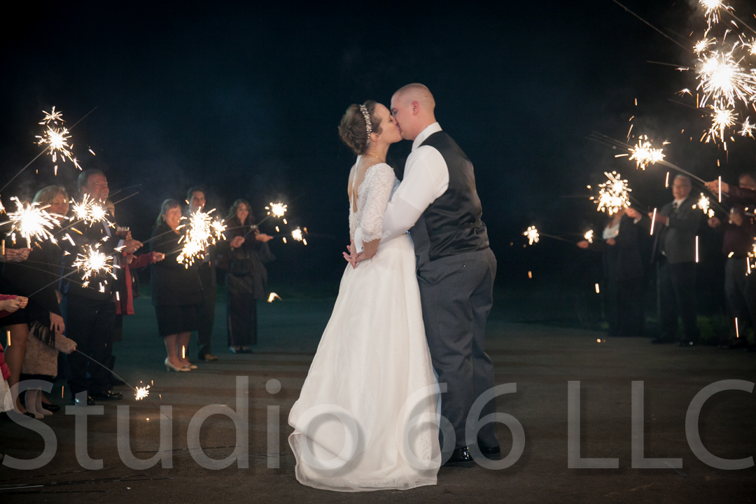 CincinnatiWeddingPhotographer_Studio66_WeddingPhotography_RollingMeadowsRanch_60
